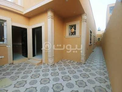 دور  للبيع في الرياض، منطقة الرياض - دور أرضي مؤسس 3 شقق بحي السويدي، غرب الرياض