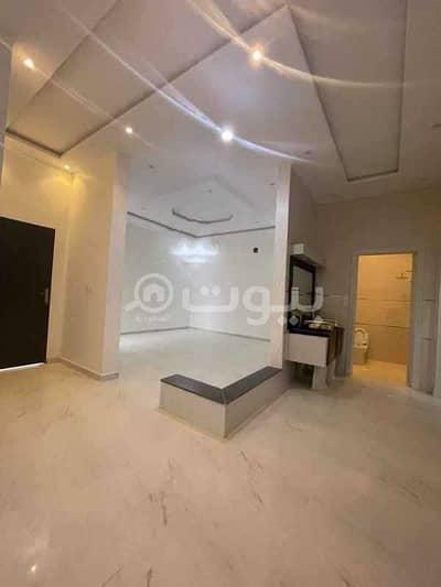 5 Bedroom Villa for Sale in Riyadh, Riyadh Region - Villa with 2 apartments for sale in Tuwaiq District, West of Riyadh