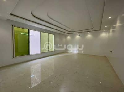 فیلا 5 غرف نوم للبيع في الرياض، منطقة الرياض - فلل مع سطح للبيع بحي العزيزية، جنوب الرياض