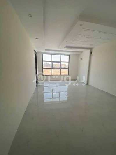فیلا 4 غرف نوم للبيع في الرياض، منطقة الرياض - فيلا درج صالة للبيع في طريق السيل الكبير حي المهدية غرب الرياض