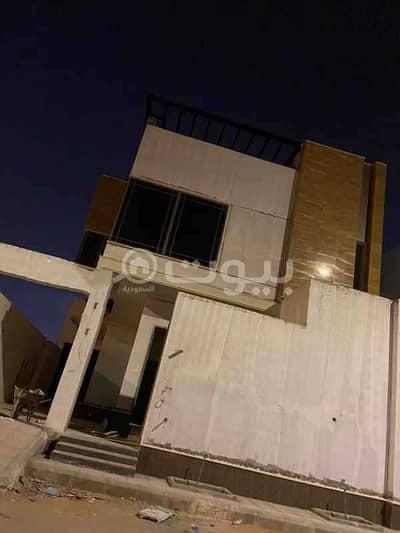 فیلا 5 غرف نوم للبيع في الرياض، منطقة الرياض - فيلا درج داخلي بدون شقق للبيع بحي المونسية، شرق الرياض