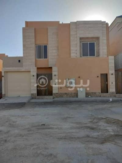 فیلا 4 غرف نوم للايجار في الرياض، منطقة الرياض - فيلا درج داخلي للإيجار في النرجس، شمال الرياض