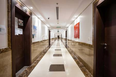 Showroom for Rent in Jeddah, Western Region - Showroom No. 2 for rent in Platini Tower in Al Faisaliyah District, north of Jeddah