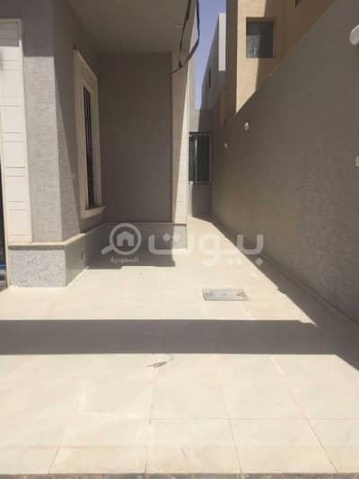 Villa for Sale in Riyadh, Riyadh Region - For sale villa in Al-Rimal, east of Riyadh | Internal staircase and apartment