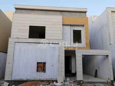 Villa for Sale in Riyadh, Riyadh Region - Villa | staircase in the hall and 2 apartments for sale in Al-Yarmuk, east of Riyadh