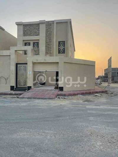 5 Bedroom Villa for Sale in Al Khobar, Eastern Region - Duplex staircase villa for sale in Al Lulu, Al Khobar