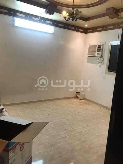 دور 4 غرف نوم للايجار في الرياض، منطقة الرياض - دور علوي بمدخلين للإيجار في اشبيلية، شرق الرياض