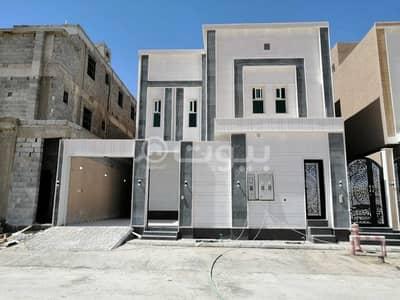 5 Bedroom Villa for Sale in Riyadh, Riyadh Region - Villa with 2 apartments for sale in Al Rimal, East of Riyadh