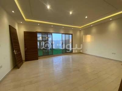 فیلا 4 غرف نوم للبيع في الرياض، منطقة الرياض - فيلا مع بلكونة للبيع بحي الملقا، شمال الرياض