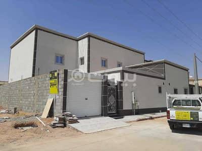 6 Bedroom Villa for Sale in Hail, Hail Region - Villa and land for sale in Al Mamlaka District, Hail