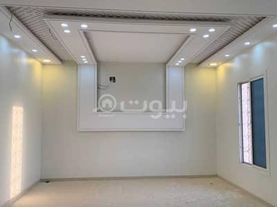 فیلا 3 غرف نوم للبيع في الرياض، منطقة الرياض - فيلا درج صالة مع شقتين للبيع في حي العوالي غرب الرياض
