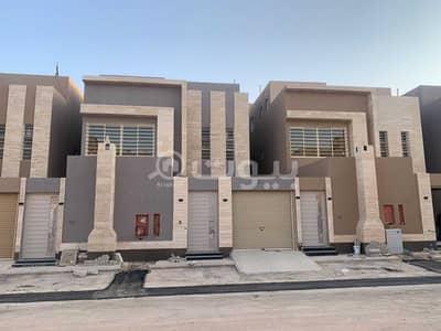 فیلا 5 غرف نوم للبيع في الرياض، منطقة الرياض - فيلا درج صالة مع شقتين للبيع في حي الموسى غرب الرياض
