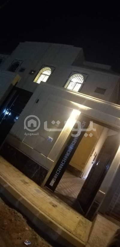 دور 3 غرف نوم للبيع في الرياض، منطقة الرياض - دور علوي مع شقة بصك للبيع في حي الدار البيضاء جنوب الرياض