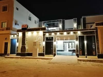 5 Bedroom Villa for Sale in Riyadh, Riyadh Region - Villa with internal stairs and 2 apartments for sale in Al Rimal, East Riyadh