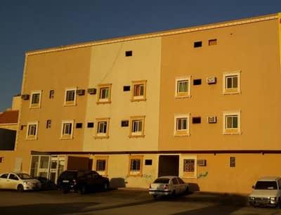 عمارة سكنية شاغره على شارعين مساحة 1050م2 تحتوي على 24 شقة كل شقة 3غرف + صالة + 2 حمام . . على السوم