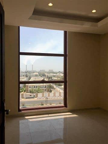 غرفتين وصالة راقية بجميع الخدمات للايجار الشهري بقيمة 16000