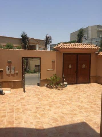 4 Bedroom Villa for Rent in Jeddah, Western Region - فيلا راقية للايجار(حي البساتين)