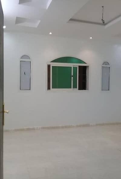 5 Bedroom Flat for Rent in Riyadh, Riyadh Region - دور علوي للايجار بحي الرمال الذهبي شرق الرياض