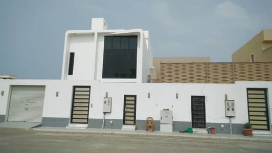 4 Bedroom Villa for Rent in Jeddah, Western Region - فيلا دبلوكس دورين وملحق تشطيب فاخر