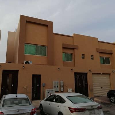5 Bedroom Villa for Sale in Riyadh, Riyadh Region - Villa for sale two floors and  apartment in Al Yasmeen