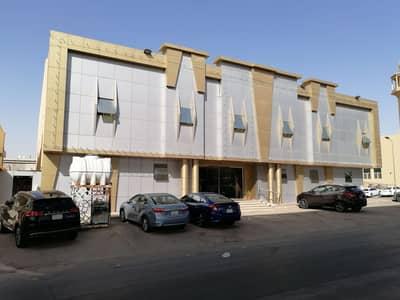 عمارة سكنية  للبيع في الرياض، منطقة الرياض - عمارة 1345 متر سكنية للبيع على طريق الدائري المطار، الرياض