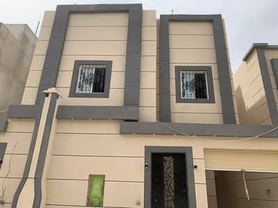 Villa for Sale in Riyadh, Riyadh Region - Villa for sale with interior staircase 216 sqm in Al Rimal, Riyadh