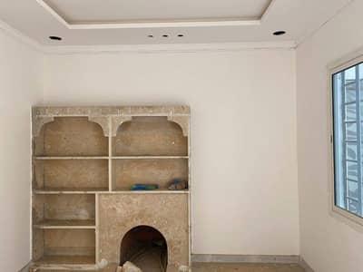 فیلا 6 غرف نوم للبيع في الرياض، منطقة الرياض - للبيع  فيلا دوبلكس مساحة 300م في حي ظهرة لبن