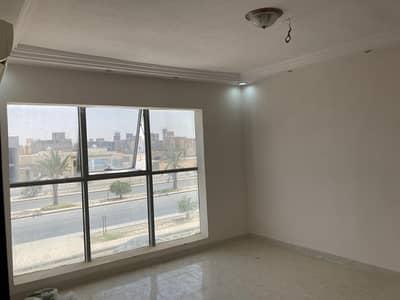 عمارة تجارية  للبيع في الرياض، منطقة الرياض - عمارة 1800م2 للبيع في حي طويق