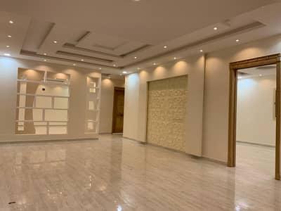 فیلا 5 غرف نوم للبيع في الرياض، منطقة الرياض - فيلا درج داخلي وشقتين بالموسى حي طويق للبيع