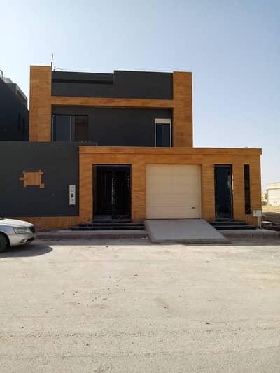 4 Bedroom Villa for Sale in Riyadh, Riyadh Region - Villa Stairway In The Hall And An Apartment For Sale In Al Qirawan, Riyadh|450sqm
