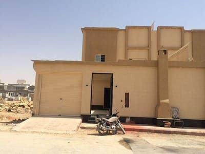 5 Bedroom Villa for Sale in Riyadh, Riyadh Region - Duplex Villa with stairs in the hallway for sale in Namar, Riyadh