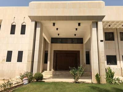 فیلا 10 غرف نوم للبيع في الرياض، منطقة الرياض - قصر للبيع بحي العليا بمساحة 2700 متر