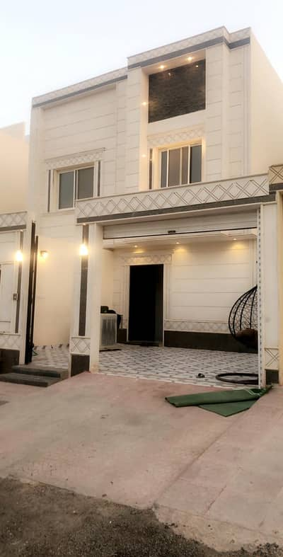 6 Bedroom Floor for Rent in Riyadh, Riyadh Region - Floor for rent in Badr district, Riyadh | 6 BR