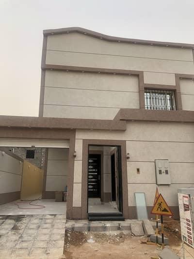 فیلا 4 غرف نوم للبيع في الرياض، منطقة الرياض - فيلا درج داخلي وشقة في حي الرمال بالرياض
