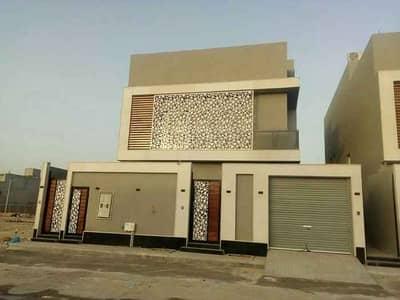 فیلا 4 غرف نوم للبيع في الرياض، منطقة الرياض - فيلتين للبيع درج صالة وشقة بحي القيروان، الرياض