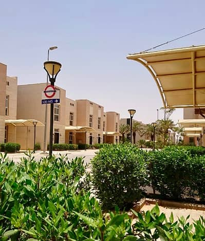1 Bedroom Apartment for Rent in Riyadh, Riyadh Region - Fully furnished apartment in a large compound for rent in Ishbiliyah
