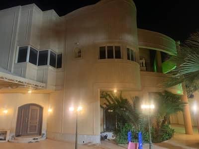 فیلا 5 غرف نوم للبيع في الرياض، منطقة الرياض - فيلا للبيع في ظهرة لبن، الرياض