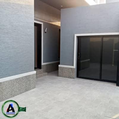 فیلا 8 غرف نوم للبيع في الرياض، منطقة الرياض - فيلا 400م2 مع شقة للبيع في حي الملقا