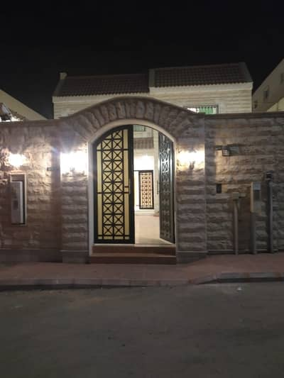 9 Bedroom Villa for Sale in Riyadh, Riyadh Region - Villa For Sale In Al Wahah, Riyadh