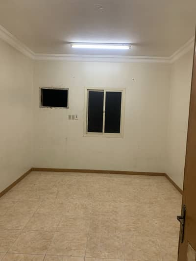 4 Bedroom Flat for Rent in Dammam, Eastern Region - Singles' apartments for rent in Al Qazaz, dammam