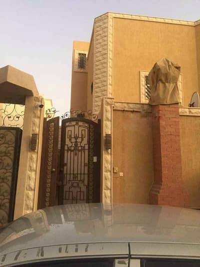 دور 4 غرف نوم للايجار في الرياض، منطقة الرياض - دور للإيجار على شارع الصليلة بحي العقيق، الرياض