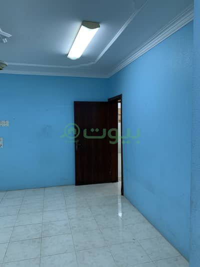 4 Bedroom Flat for Rent in Dammam, Eastern Region - Singles Apartment For Rent In Al Badiyah, Dammam