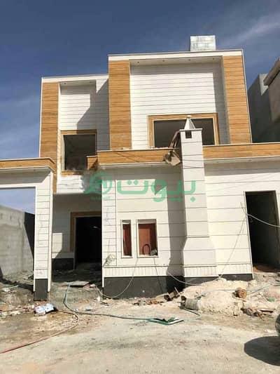 5 Bedroom Villa for Sale in Riyadh, Riyadh Region - Villa Internal staircase And Two Apartments For Sale In Dhahrat Laban, West Of Riyadh