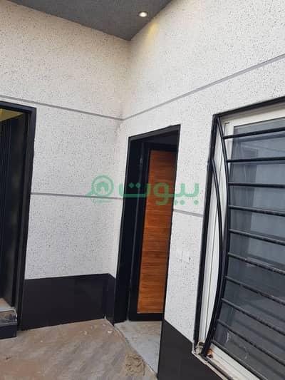 3 Bedroom Floor for Sale in Riyadh, Riyadh Region - Floor for sale in Al Mahdiyah, west of Riyadh