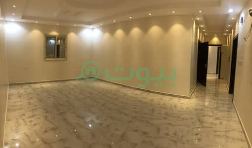 3 Bedroom Flat for Sale in Madina, Al Madinah Region - Apartment with roof for sale in Al Qathme Scheme, Madina