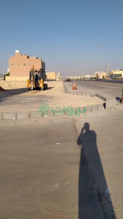 Commercial Land for Sale in Riyadh, Riyadh Region - Commercial Land for sale in Al Qirawan, North Riyadh