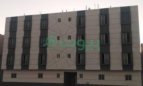 شقة 5 غرف نوم للبيع في الرياض، منطقة الرياض - للبيع شقة ارضيه دورين فاخرة مع حوش ومدخل خاص المساحه 260 م  في حي العوالي
