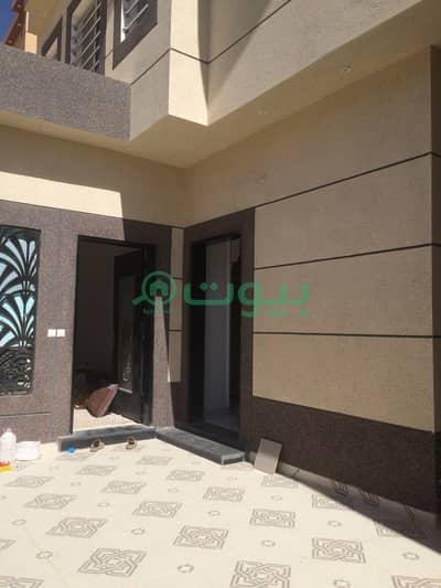 فیلا 4 غرف نوم للبيع في الرياض، منطقة الرياض - فيلا درج داخلي وشقة للبيع في الرمال، شرق الرياض