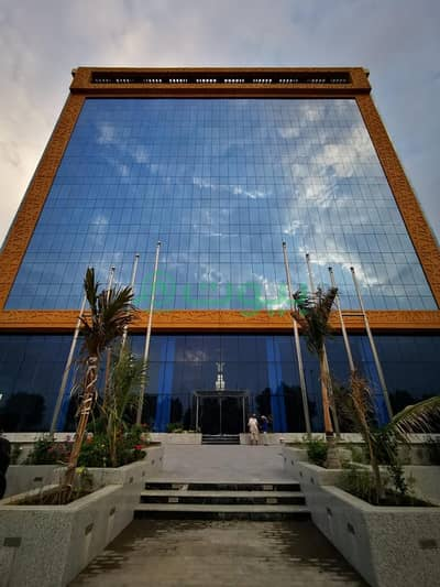 Hotel Apartment for Sale in Jeddah, Western Region - For sale a new hotel in Al Sharafeyah, North of Jeddah